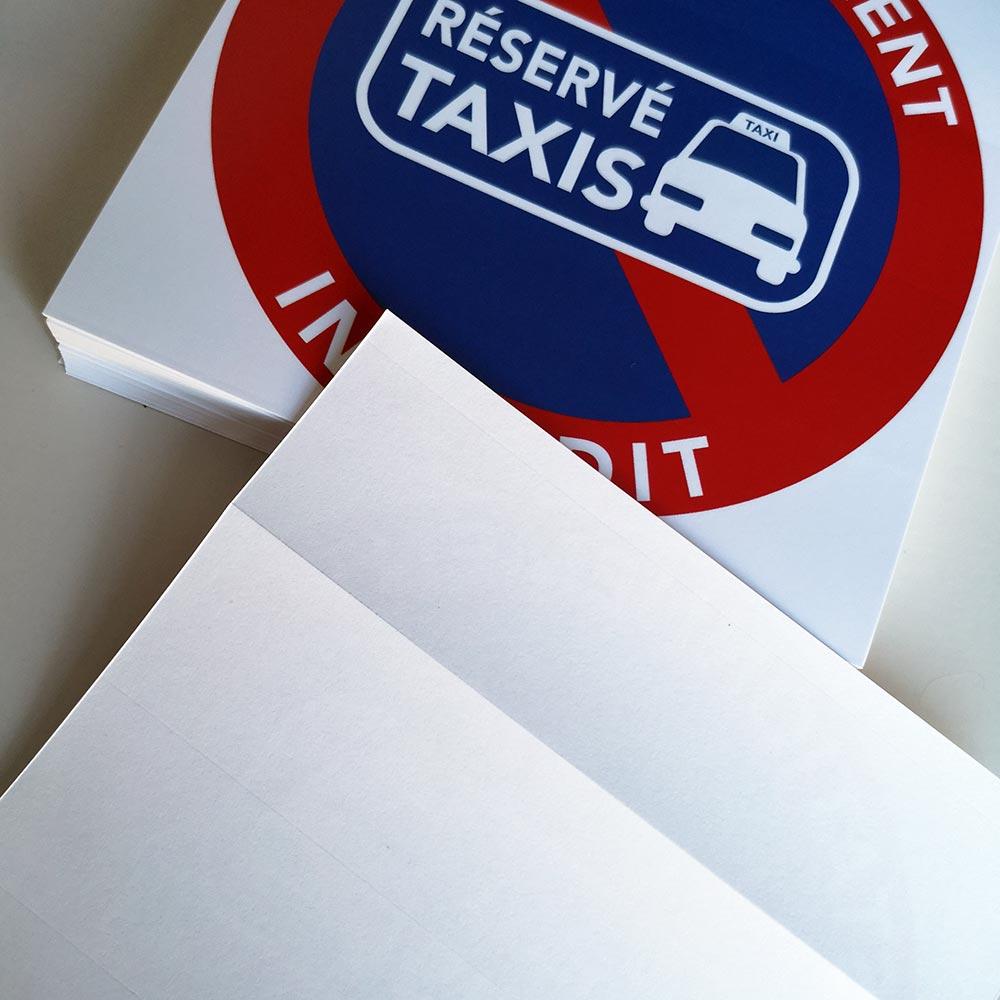 stationnement interdit sur les emplacements réservés aux taxis